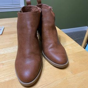 Tan Ankle Boots.